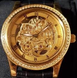 Золотые эксклюзивные часы 750 пробы